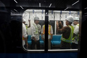 Presiden Targetkan Maret 2019 MRT Beroperasi