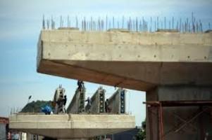 Progres Proyek Jalan Layang Komarudin-Abdul Haq Capai 35 Persen