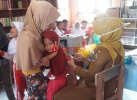Puskesmas Palas Berikan Imunisasi MR ke Sekolah