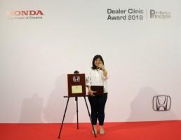 Raih Penghargaan Dua Kali Berturut, HLR Bonusi 5 Gram Emas Setiap Pembelian Mobil