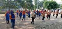 Ratusan Anggota Dharma Wanita Ikuti Senam Gotong-Royong