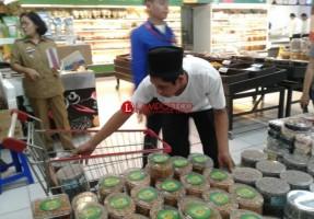 Ratusan Toples Kue Ditarik dari Peredaran di Supermarket