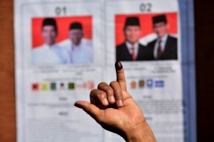 Real Count KPU 33%: Jokowi-Amin 56% Prabowo-Sandi 44%
