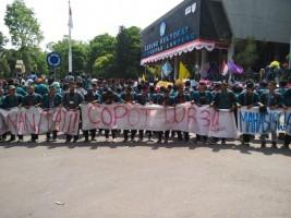 Rektor: Mahasiswa Tidak Bisa Mengatur Unila