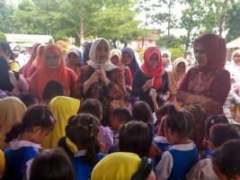 Reses di Tulangbawang Barat, Dwita Ria Canangkan Desa Literasi