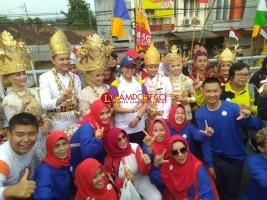 Ribuan Pelajar Ramaikan Kirab Obor Asian Games di Bandar Lampung