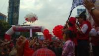 Ribuan Peserta Ramaikan Kegiatan Jalan Sehat di Tugu Adipura