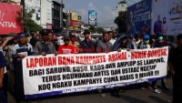 Ribuan Warga Gelar Aksi Tuntut Pilgub Ulang