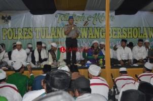 Ribuan Warga Hadiri Tablig Akbar di Mapolres Tuba
