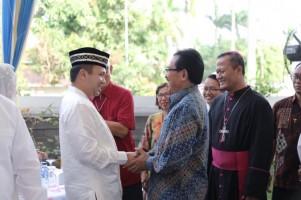 Ridho Gelar Open House Bersilaturahmi dengan Warga