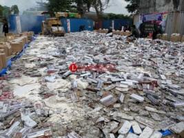 Rokok Hingga Sextoy Ilegal Senilai Miliaran Dimusnahkan