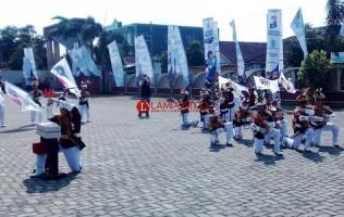 Rombongan Kementerian BUMN Disambut Polisi Cilik
