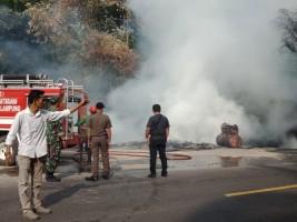 Rumah dan Bengkel Tambal Ban di Katibung Ludes Terbakar
