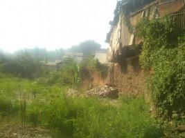 Rumah Nyaris Ambrol di Bibir Sungai Berharap Tak Ada Banjir