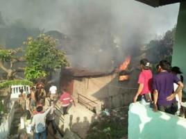 Rumah Pengrajin Keripik Terbakar