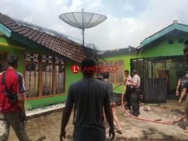 Rumah Pensiunan Polisi di Gedongtataan Hangus Terbakar