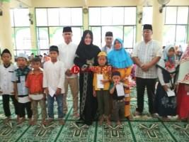 Safari Ramadan di Tulangbawang, Bupati Serahkan Bantuan  ke Masjid