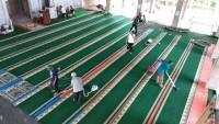 Sambut Ramadan, Warga Gotong-royongBersihkan Masjid Ulul Albaab