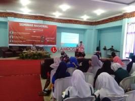 Sastrawan Sapardi Djoko Damono Isi Seminar di FKIP Unila