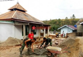 Satgas TMMD Ke-103 Kodim 0410/KBL Gotong Royong Bangun Masjid