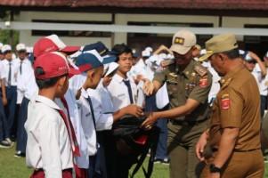 Satpol PP Lambar Beri Pengarahan Ketertiban Umum di SMPN 1 Liwa