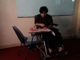 Satu Peserta Tes UMPTKIN UIN Kerjakan Soal Gunakan Kursi Roda