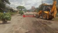 Sebabkan Macet, Lubang di Jalan Lintas Timur Sumatera Diperbaiki