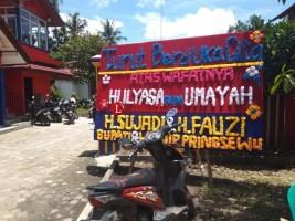Sejumlah Pejabat dan Keluarga Tunggu Kedatangan Jenazah Ketua DPRD Pringsewu
