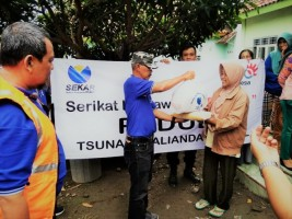 Serikat Karyawan Telkom Salurkan Bantuan Peduli Korban Tsunami Kalianda