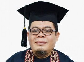 Selesaikan Studi Doktor, Dosen Darmajaya Teliti Mobile Malware Detection