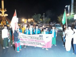 Sembilan Santri Lampung Jalan Kaki ke Jakarta
