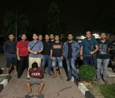 Sembunyi di Atap Rumah, DPO Pembunuhan Ini Ditangkap