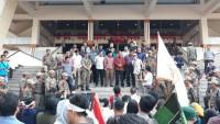 Serikat Mahasiswa dan Pemuda Geruduk Kantor DPRD Lampung
