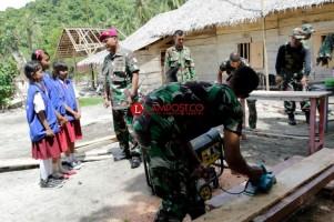 Sinergi Prajurit Membangun Pendidikan Pulau Tegal (1)