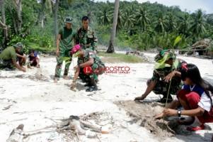 Sinergi Prajurit Membangun Pendidikan Pulau Tegal (2-habis)