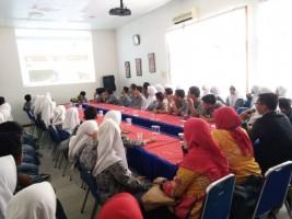 Siswa SMAN 4 Kotabumi Kunjungi Kantor Lampung Post
