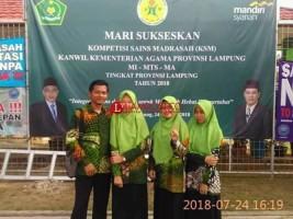 Siswi Ponpes Al Furqon Panaragan Jaya Juara Fisika Terintegrasi