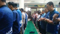 Sivitas Akademika IIB Darmajaya Salat GaibWafatnyaBJ Habibie
