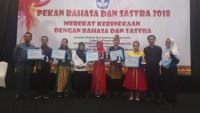 SMAN 2 Bandar Lampung Juara I Festival Musikalisasi Puisi