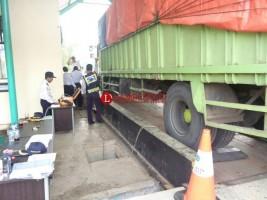 Sopir Truk Sebut Jembatan Timbang Ajang Pungli