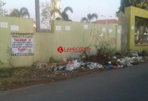 Sudut Gedung Islamic Center Kotabumi Jadi Lokasi Pembuangan Sampah