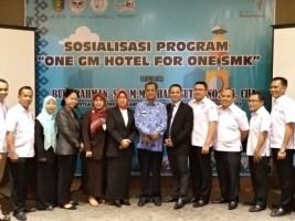 Suniyar Dilantik Sebagai Ketua DPD Asosiasi SMK Pariwisata Lampung