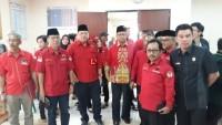 Sutono Hantarkan PDIP Daftar Caleg di KPU Provinsi