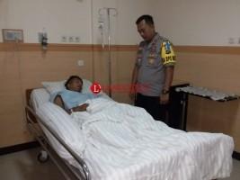 Tenangkan Massa, Anggota Polres Lamtim Terluka Kena Lemparan Golok