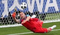 Tepis Penalti Messi, Kiper Islandia Jadi Pemain Terbaik
