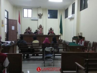 Terdakwa Perdagangan Manusia Diadili di Persidangan