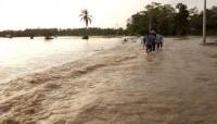 Terendam Banjir, Akses Menuju Desa Pematangbaru Sulit Dilalui
