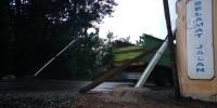 Tidak Sampai Sehari Dipasang, Portal Jalan Lingkar Tubaba Roboh di Tabrak Truk