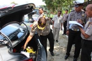 Tim Biro Sarpras Polda Lampung Periksa Kendaraan Dinas dan Senpi Polres Lambar