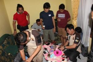 Tim Gabungan Razia Hotel dan Penginapan di Krui, 4 Warga Diamankan Petugas